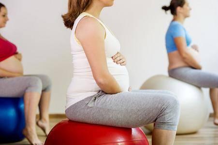 """孕期几个坏习惯,可能是妊娠纹黏上自己的""""元凶"""",内附解决办法"""