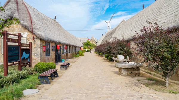 原创             山东最大的海草房村落,始建于清顺治年间,距今300多年历史