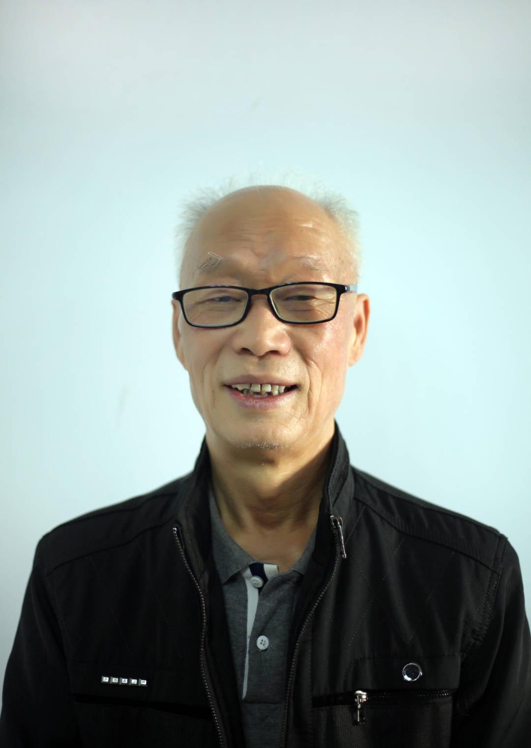 那一代人的清风明月 ——李辉先生人物画杂谈