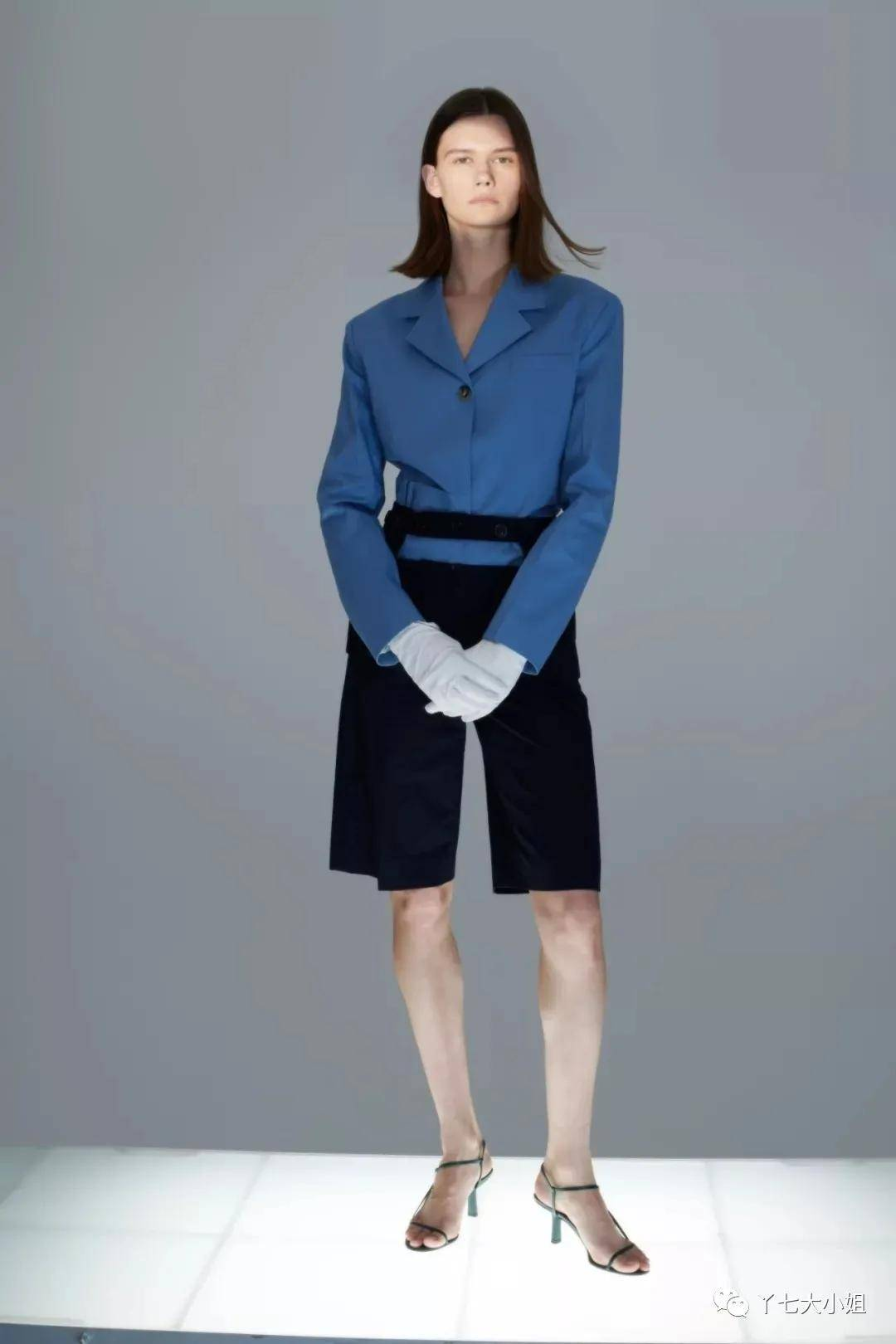 """原创             9月份怎么穿?可以试试这些""""长+短""""的组合~~"""