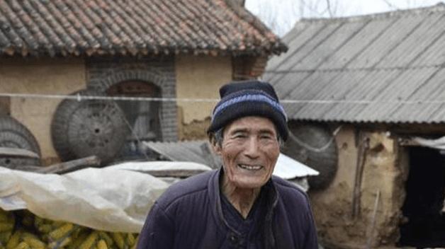93岁的河南老人,花费50年时间开垦30亩地