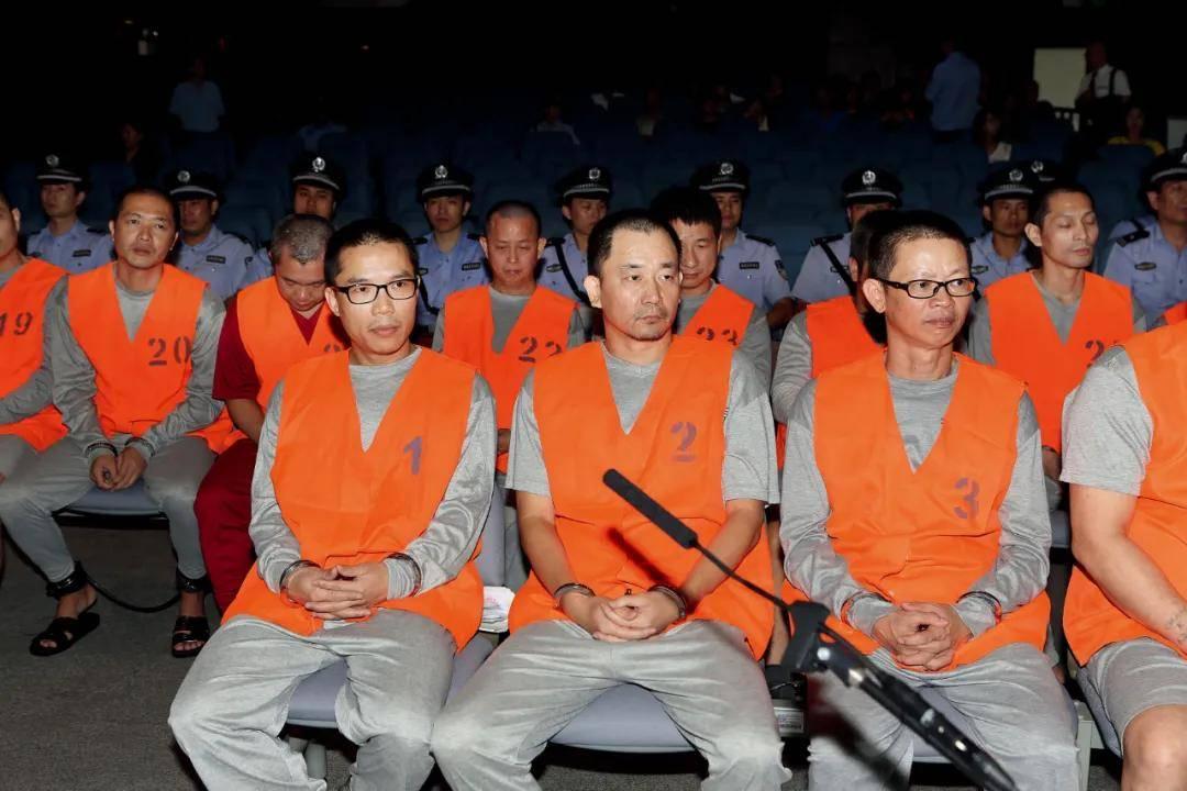 """""""双花红棍""""亲手培植 香港黑社会在深圳培植势力被铲除"""