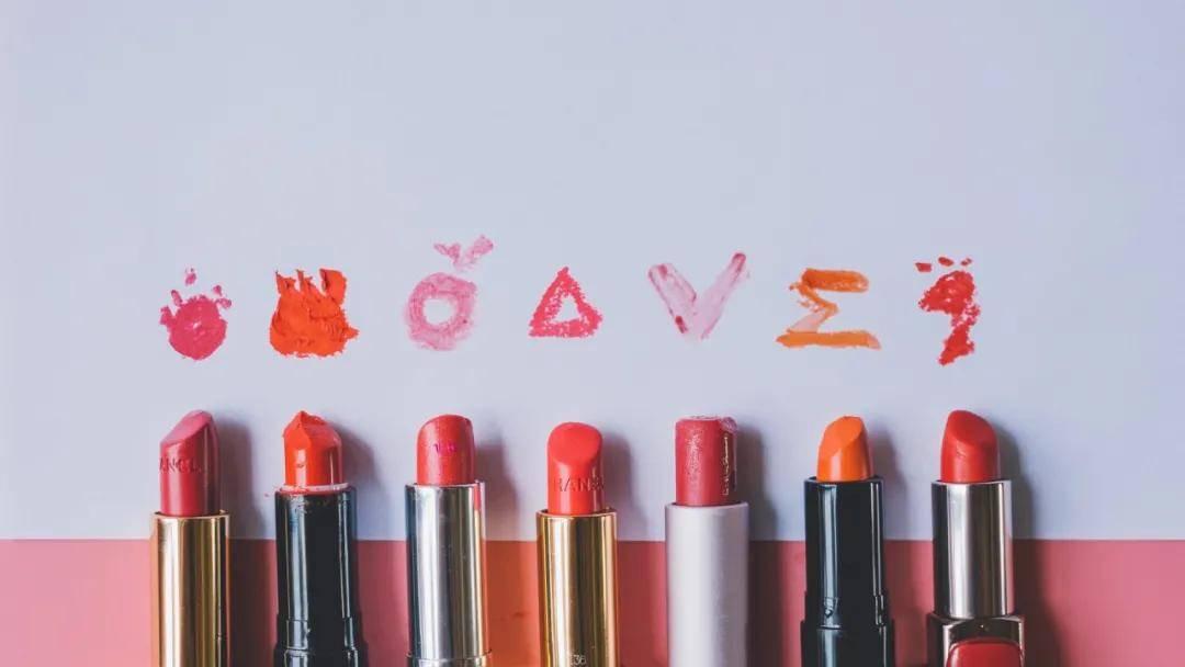 2019年全球彩妆市场规模达到727亿美元,脸部彩妆占比约40%
