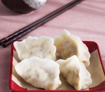 1.首先是和面软面饺子所以面活得软一
