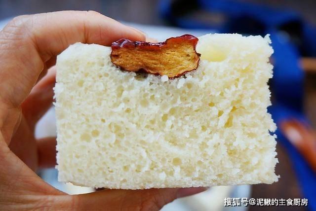 2碗面粉1把红枣,教你蒸发糕,松软香甜,比馒头蛋糕都好吃