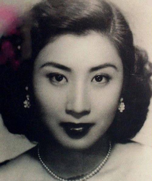 张灵甫去世后,他19岁的妻子在美国定居,60年后
