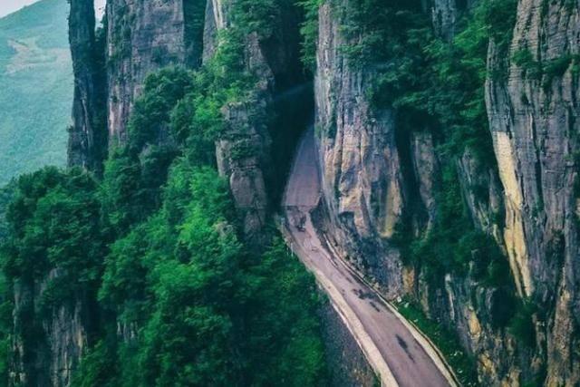 不仅如此这里沿途另有众多A级景点据相识都是免费开放的哦 中国古代神仙境界