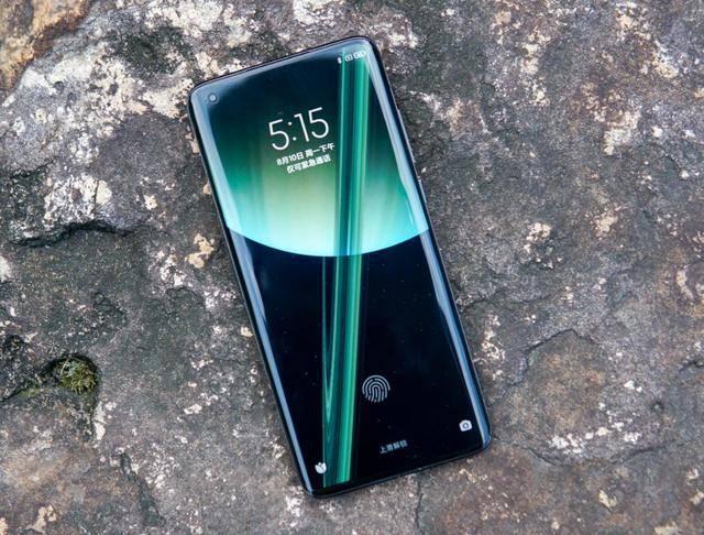5000元以上的高端旗舰怎么选?最新榜单出炉,这三款手机卖得最好