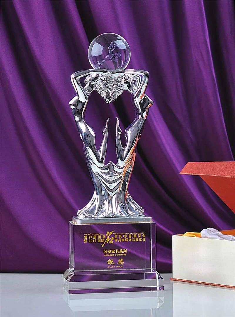 科候奖杯定制:不同水晶工艺品蕴含着不同的祝福