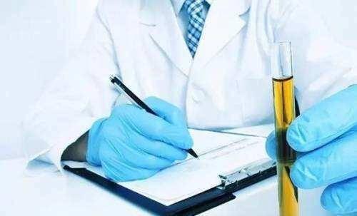 尿酸高易伤害肾脏,睡前是排出尿酸最佳时期,少碰两种饮品多喝水