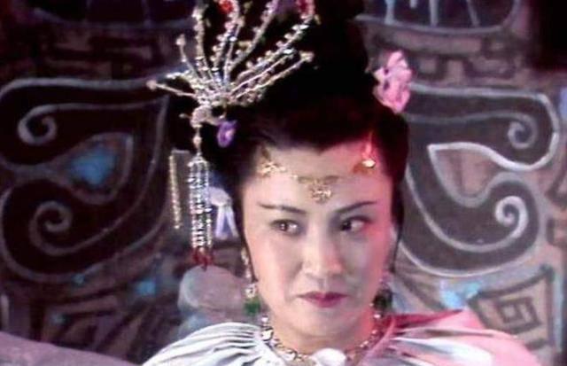 """她被""""骗""""去演白骨精,恨透导演杨洁,如今77仍未释怀"""