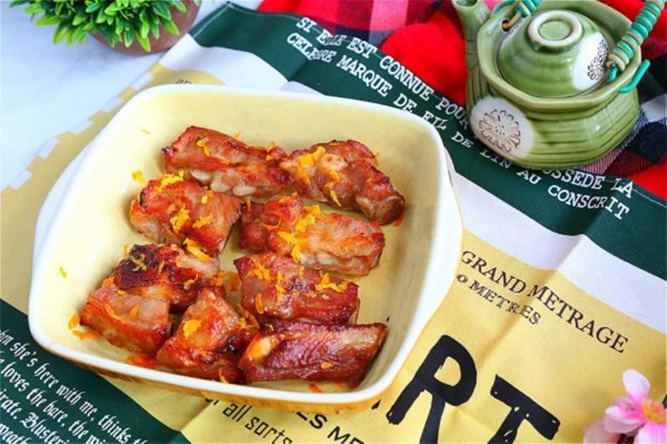 滋补催乳的月子餐——橙香排骨、鲫鱼汤
