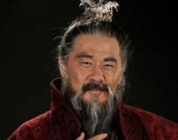 三国时期的一个勇猛的将军打败了黄旭 击退了张辽 但是变成了一个懦夫