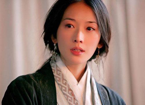 艳压林志玲成新一代女神,面目面貌姣美身体火辣,被誉为台湾第一美男(图2)