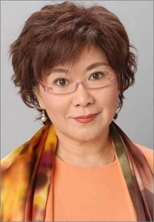 她是一个红极一时的香港公主 她有过两次