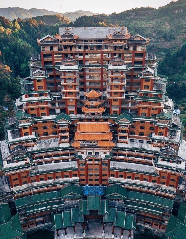 中国最诡异的地标建筑 它没有用一颗钉子就达到