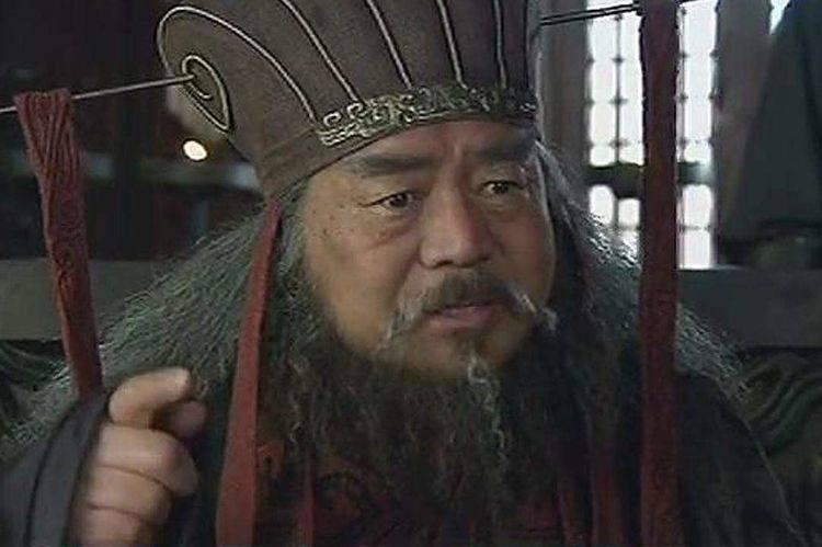 东汉末年董卓善待曹操,为何曹操还要行刺董卓?原因费解