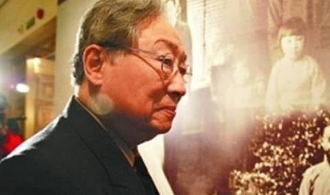 他向祖国捐赠时 收到450万美元 但向美国无偿捐赠了183件中国文物