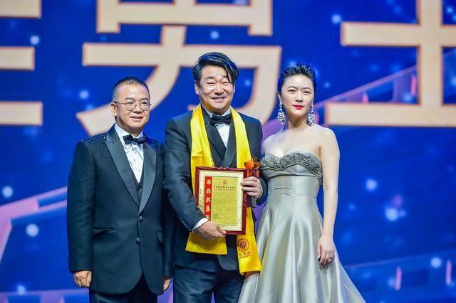 王景春获第27届华鼎奖影帝,任素汐影后,《流浪地球》最佳影片