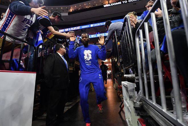 辽宁男篮现在正与前NBA马刺队球员乔纳森-西蒙斯商洽