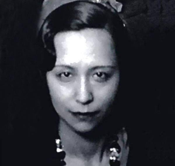 她是张爱玲的母亲,比张爱玲更传奇,晚年在地下室孤独离世