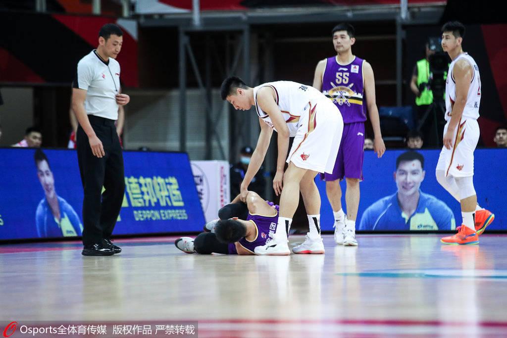 曝俞长栋确诊为一般扭伤 预计将缺阵两周