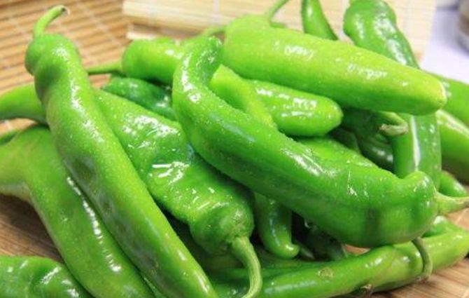 吃青椒的两个禁忌,为了健康了解一下,宁可不吃也不能吃错
