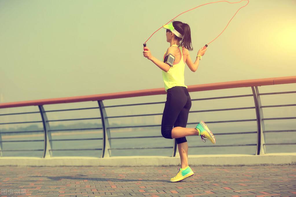 跳绳,公认的脂肪杀手!每天跳绳15分钟,你会收获什么好处?