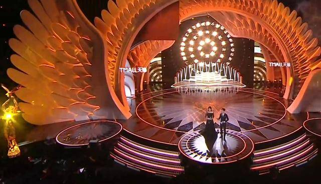 金鹰颁奖晚会,众多提名明星亮相,你最喜欢哪一部戏哪一位明星?