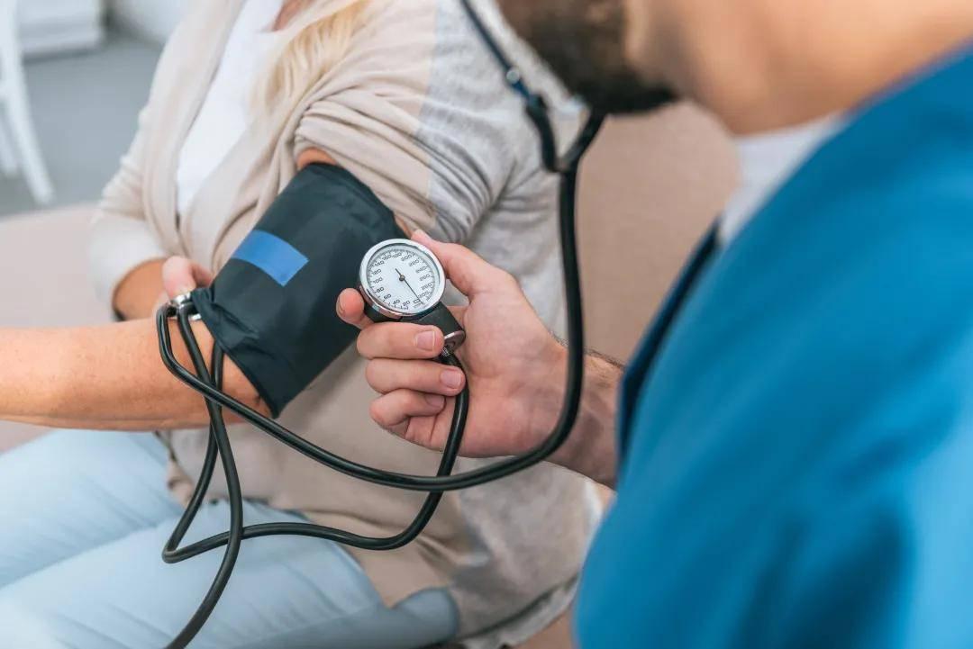 【答个疑】为什么秋季血压容易出现波动?