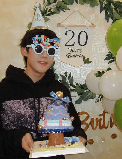 小欢喜演员生日蛋糕,钟丽丽少女心,看到周奇:仅此一份!