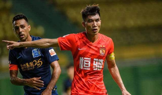 40岁郑智任恒大助教,但为什么他让11岁儿子到同城死敌队去踢球?