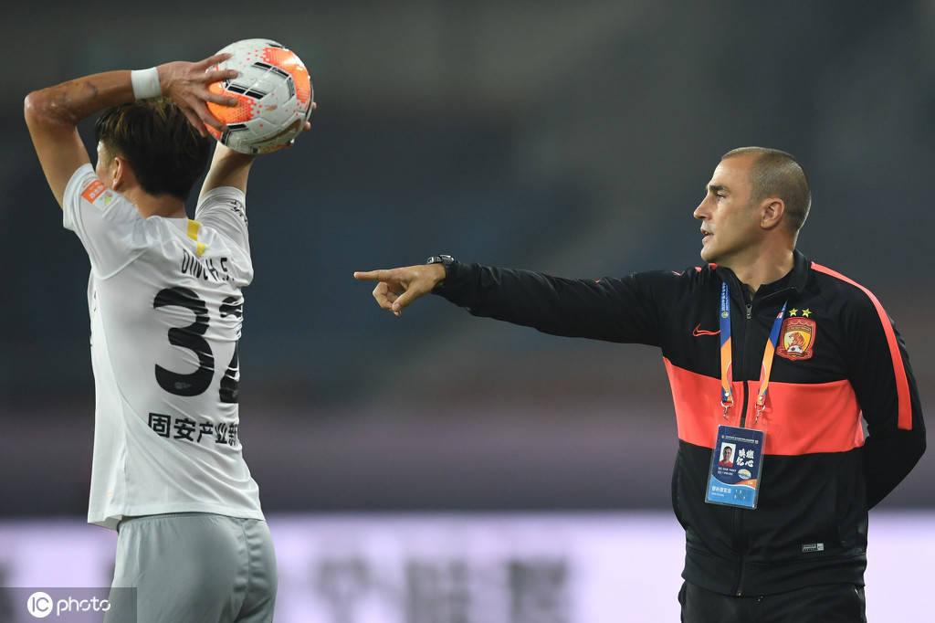 卡纳瓦罗解释现场暴怒原因:绝不允许老队员指责年轻球员