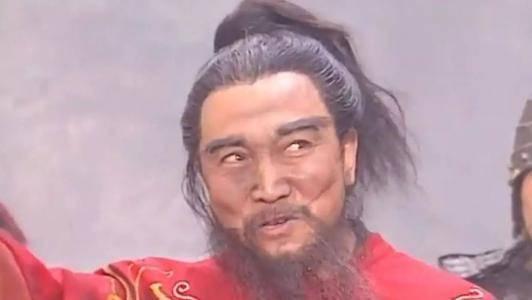 许攸是曹操帐下谋士,许褚杀了他,爱才如命的曹操为何毫不计较?