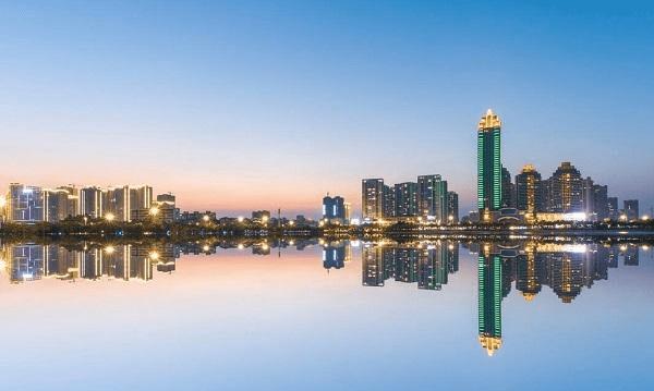 """湛江市区人口_广东湛江很""""心酸""""的城区,常住人口26万,发展却不如一个县"""