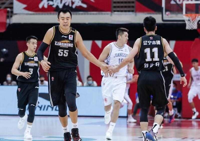 辽宁男篮107-86轻松击败了江苏男篮,获得4连胜