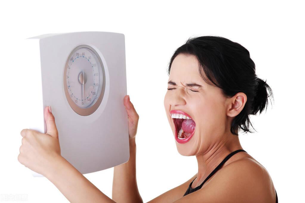 减肥胸越来越差?3个方法让身体持续燃脂,帮你突破瓶颈期!
