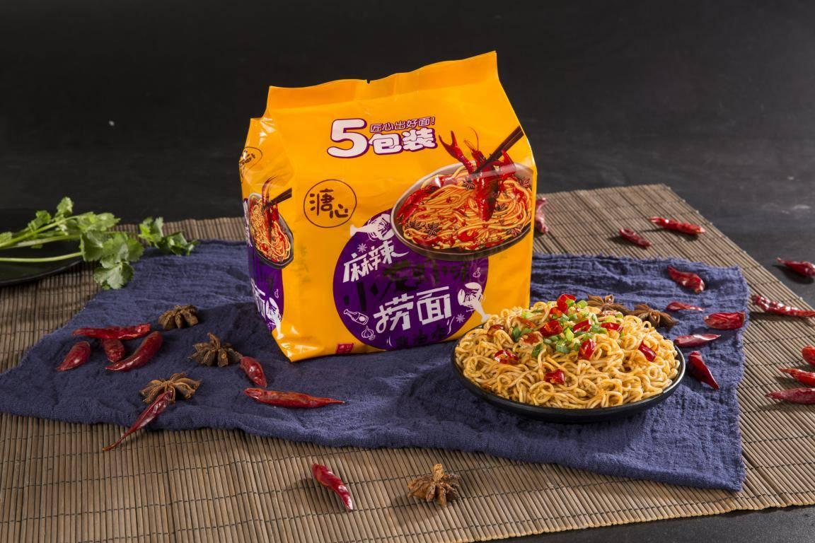 儿时口味、不同工艺,广州来利食品这款泡面卖了几十年,依旧好吃
