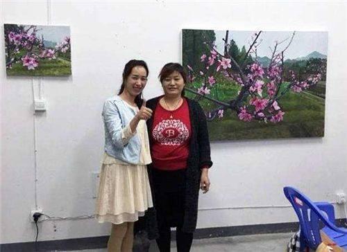 山东一女子模仿名师绘画,每幅卖200元爆红网络,专家:侮辱艺术
