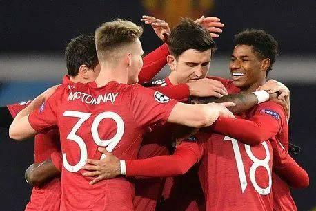 曼联5-0屠牛主场首胜,拉什福德戴帽青木创记载!索帅平穆帅战绩