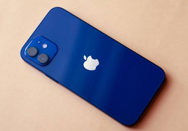 原创            用了一个星期iPhone 12后,我们来谈谈iPhone 12到底值不值?