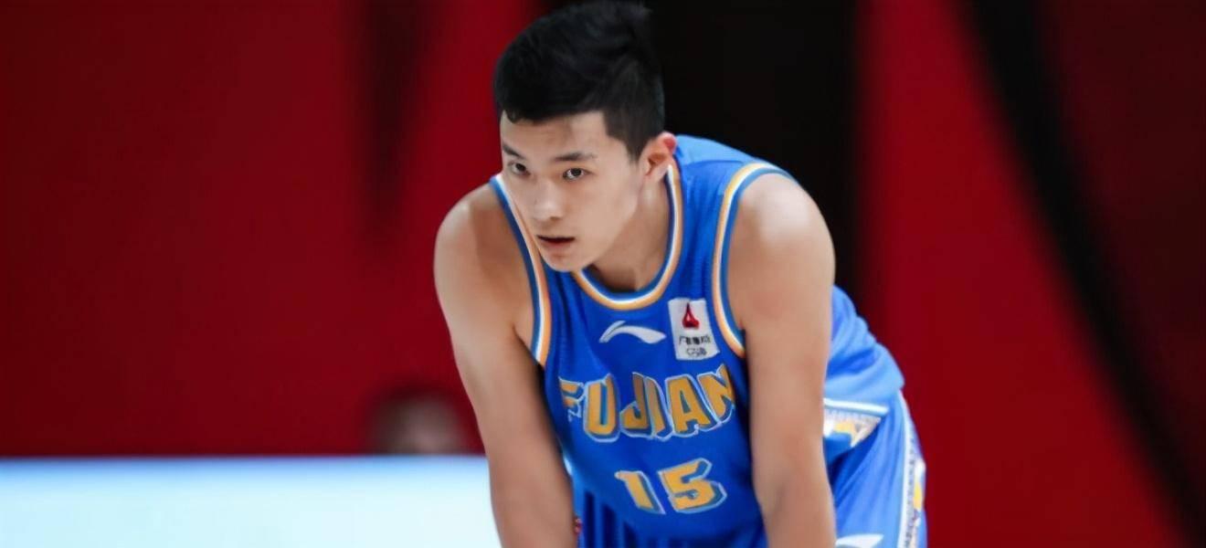 CBA前冠军送福建7连败,王哲林最佳队友6犯黯然离场
