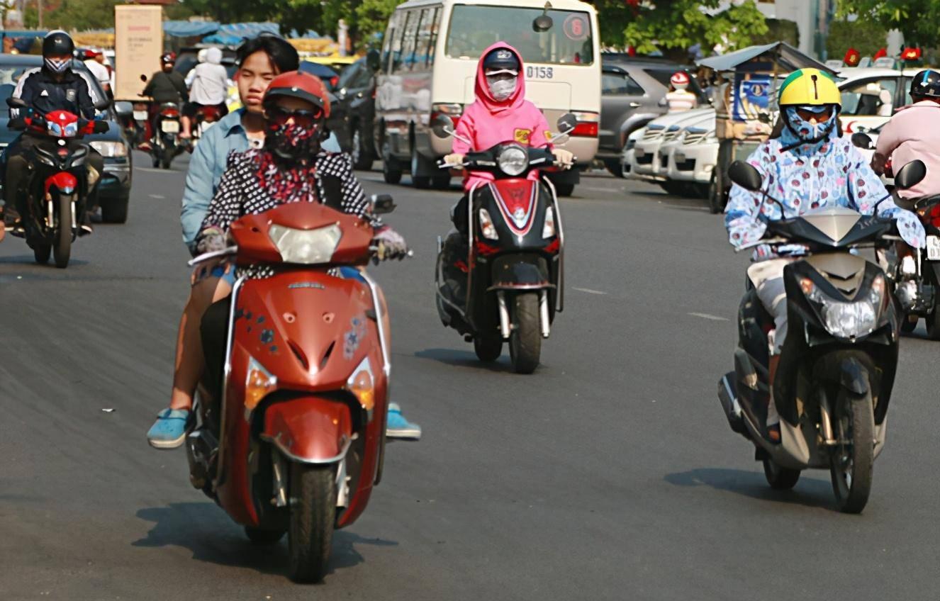 博猫手机登录:车主纳闷:摩托车被禁 电动车不准骑 我们只能走路?专家:有措施