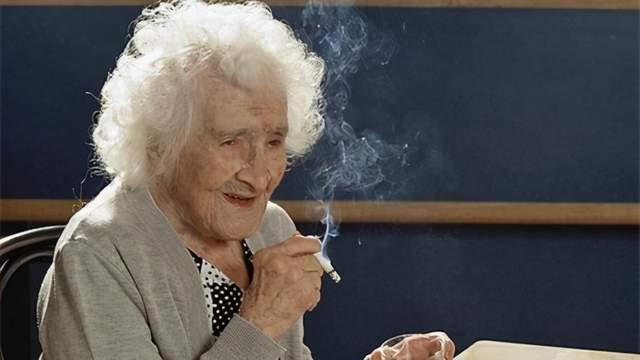 抽烟的人要听劝:这4个时间点吸烟可能对健康伤害加倍,要忍住