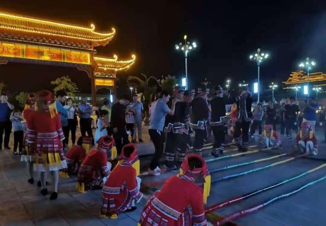 中国边疆行文化活动之旅--瑶山父母官的情怀