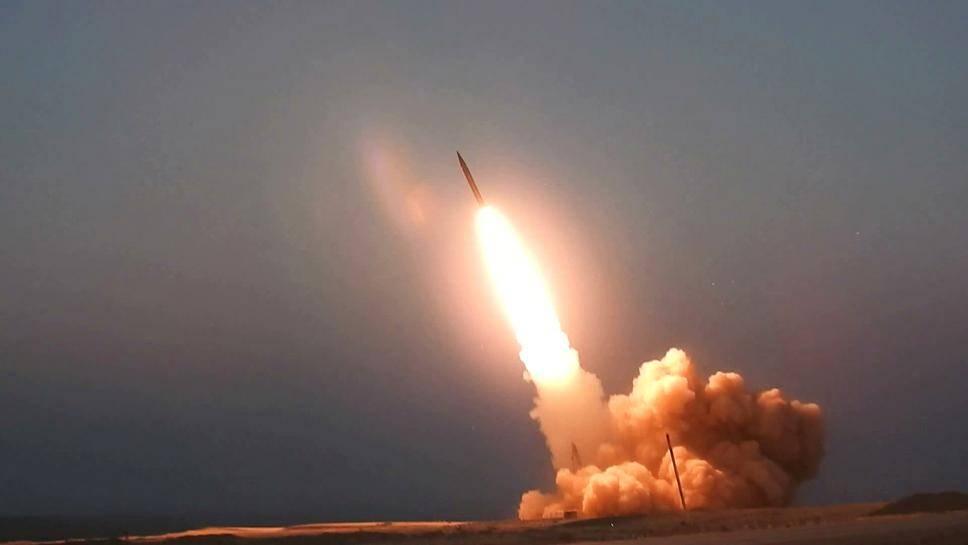 大批导弹深夜扑向沙特,爱国者拦截失败,俄:S-400你值得拥有