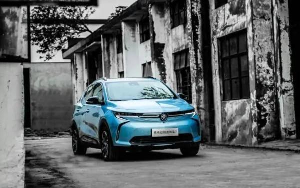 如何选择新能源汽车?网友:首款纯电动SUV是微蓝7