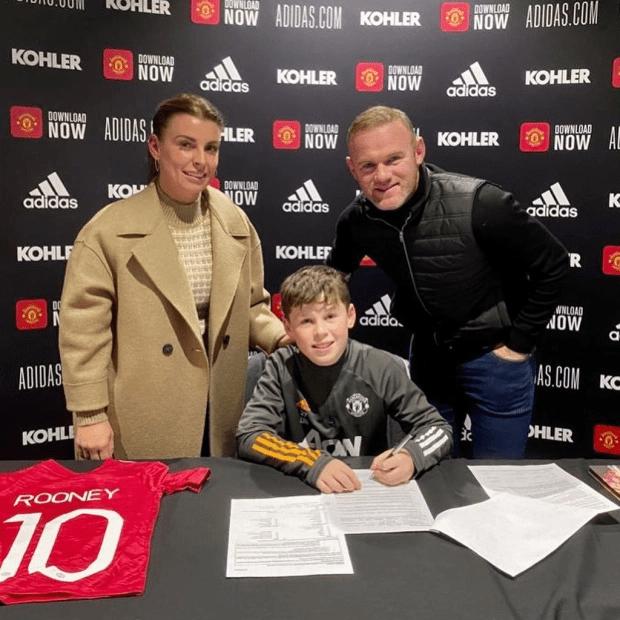 kok官方体育官网_ 虎父无犬子!足球星二代一个比一个厉害!鲁尼11岁儿子签曼联