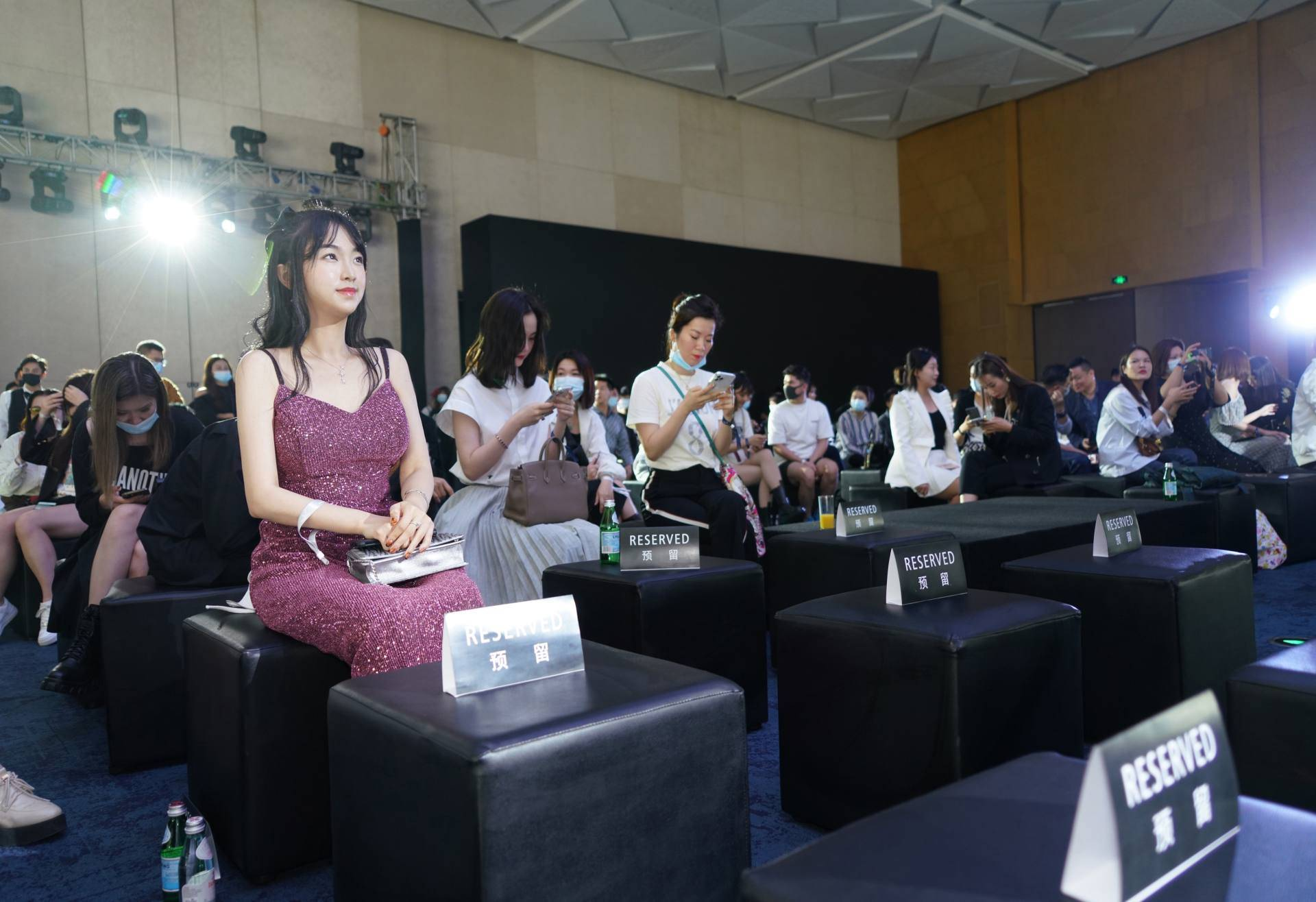原创时尚广州新媒体宠物粉福利:玛莎拉蒂限量版第一次体验,面对面陈伟霆