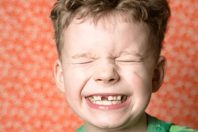 """孩子脱落的乳牙别扔,关键时刻能""""救命""""?条件苛刻,堪称智商税"""